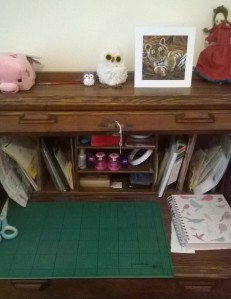 crafty-desk